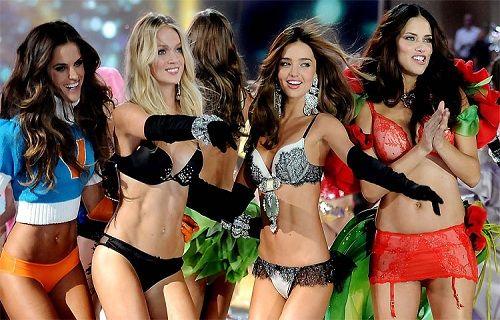 Victoria's Secret melekleri bu yıl LG OLED TV ile evinize geliyor