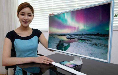 Samsung'dan akıllı telefonları kablosuz şarj eden monitör çözümleri