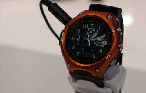 CES 2016: Casio WSD-F10 Ön İnceleme