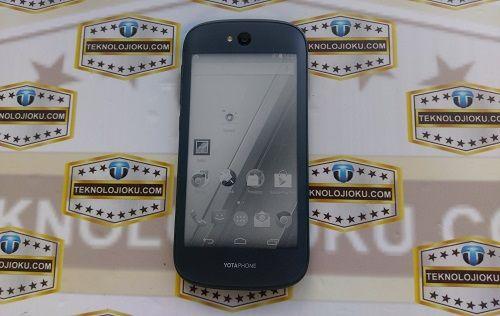 YotaPhone 2 Kutusundan Çıkıyor!